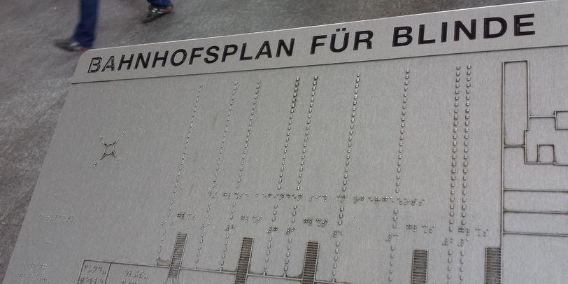 Bahnhofsplan für blinde Menschen im Hauptbahnhof Bremen