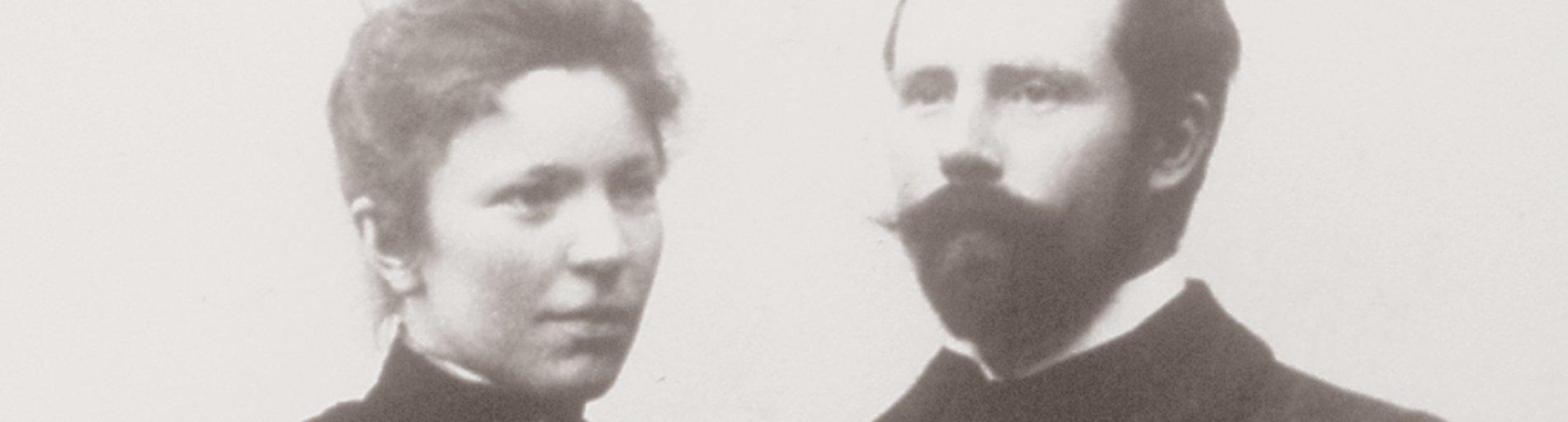 Ein Portrait von Hermine und Fritz Overbeck in schwarz-weiß.