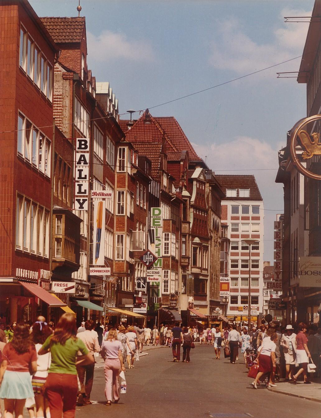 Ein historischer Blick in die Sögestraße; Quelle: Archiv bremer zentrum für baukultur (b.zb)