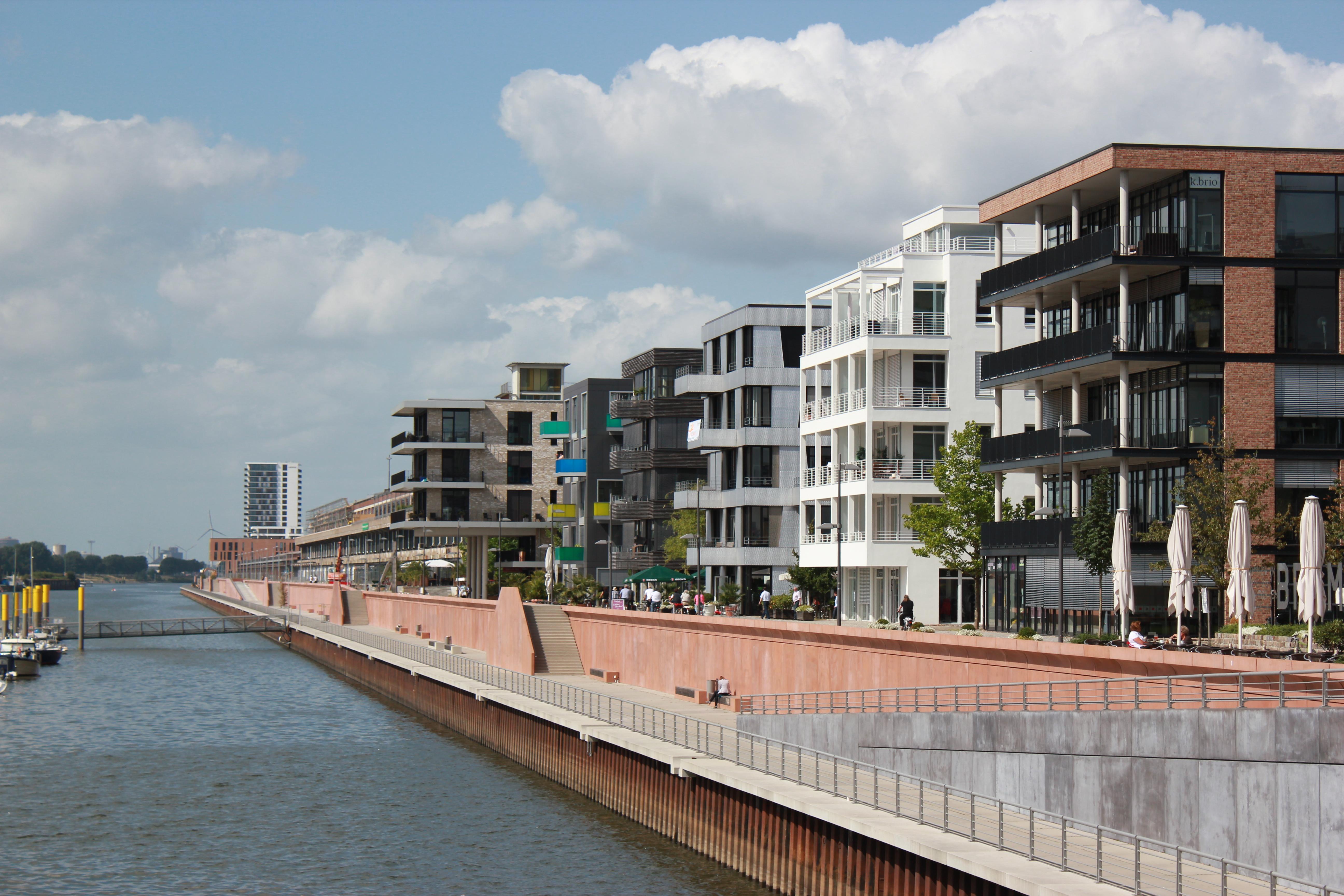 Bürolofts und Wohnungen in der Überseestadt am Europahafen