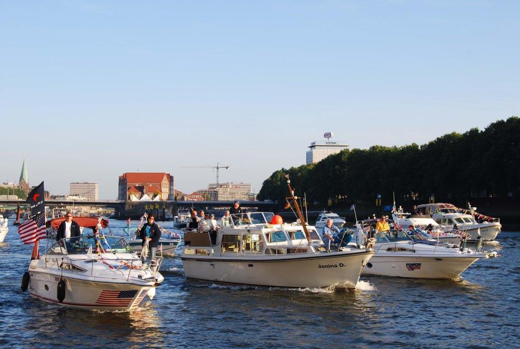 Blick auf die Weser - Schiffsparade