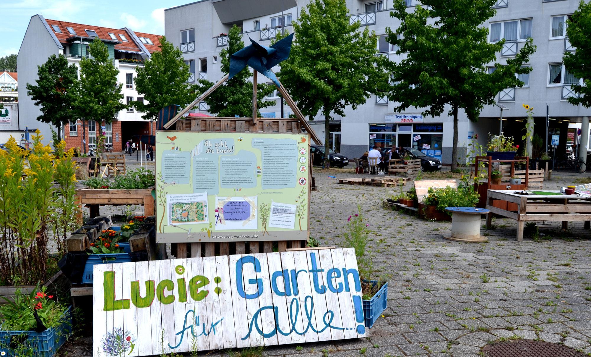 Blick auf den Lucie-Flechtmann-Platz mit Urban Gardening