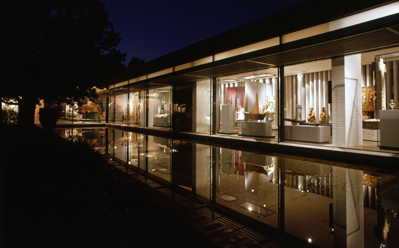 Südflügel des Focke Museums bei Nacht.