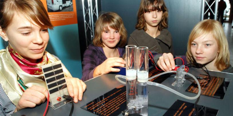 Kinder im Chemie Schülerlabor