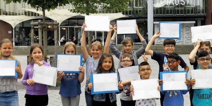 "Kinder beim Workshop: ""Vegesack ist toll"" - Kinder malen Vegesack"