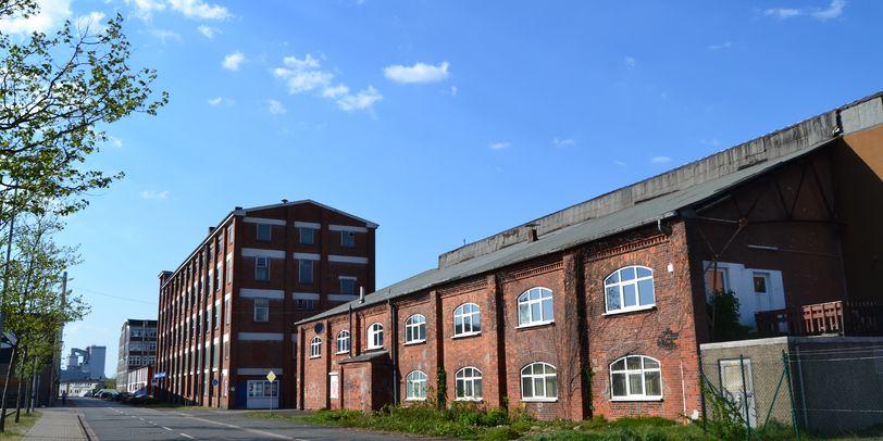 Backsteingebäude an einer Straße in einem Industriegebiet; Quelle: privat/MDR