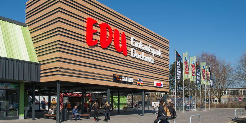 Eine Außenaufnahme des EDU Einkaufspark Duckwitz