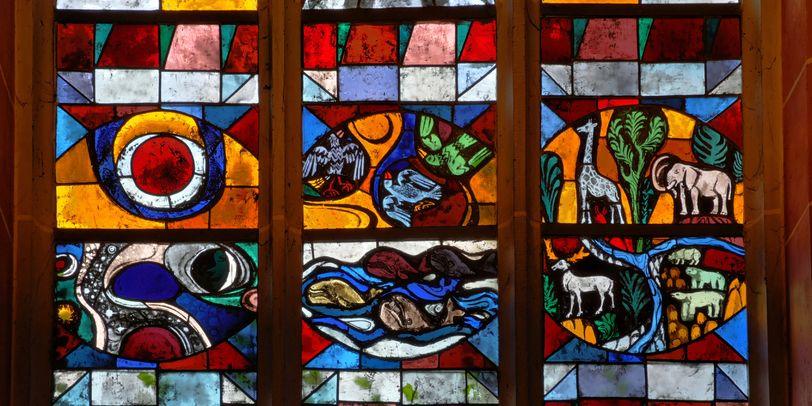 Fenster in der Südschiffkapelle des St.-Petri-Doms.