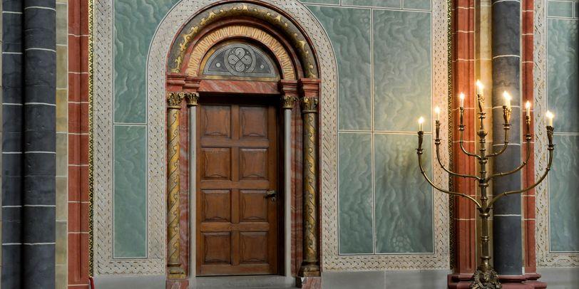 Sakristei-Eingang auf dem Hochchor.