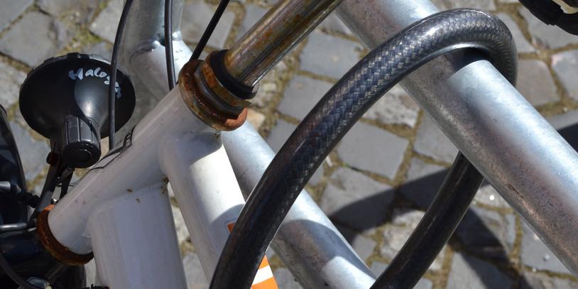 Fahrradschloss und Fahrradrahmen in der Nahaufnahme; Quelle: bremen.online GmbH - MDR
