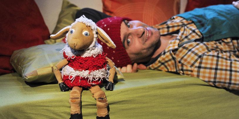 """Szene aus """"Fiete Anders"""" (Foto: Mensch, Puppe! / Marianne Menke)"""