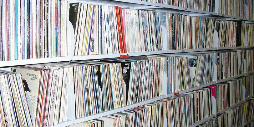 Das Klaus Kuhnke Archiv für Musik mit sehr vielen Schallplatten