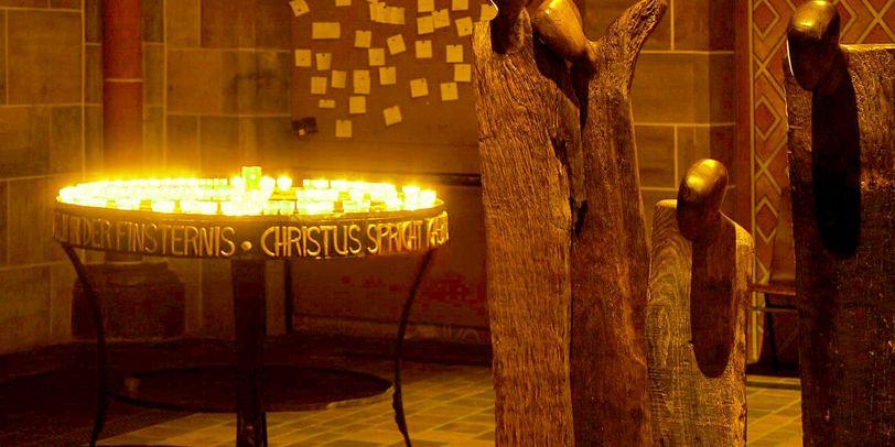 Gebetsecke mit Leuchter