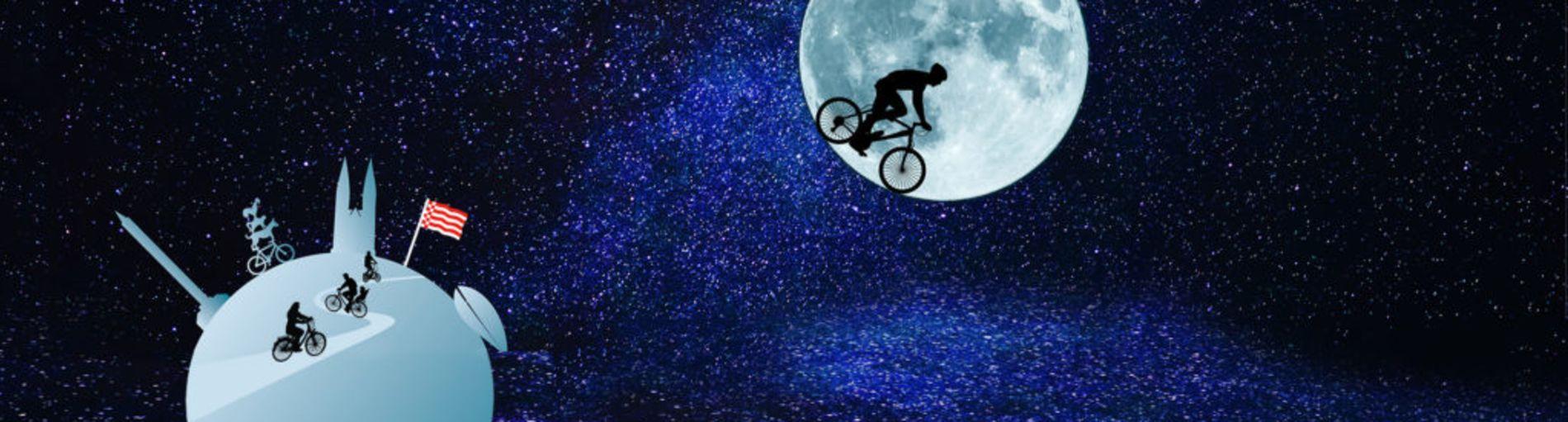 Eine Grafik, die Radfahrende auf dem Mond und Erde zeigt