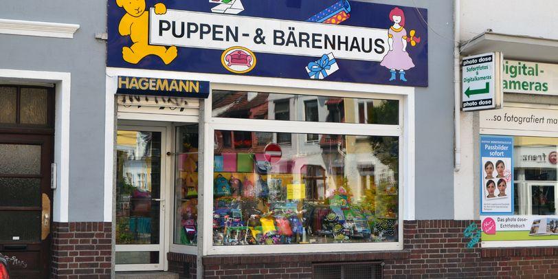 Das Geschäft Puppen- und Bärenhaus von außen