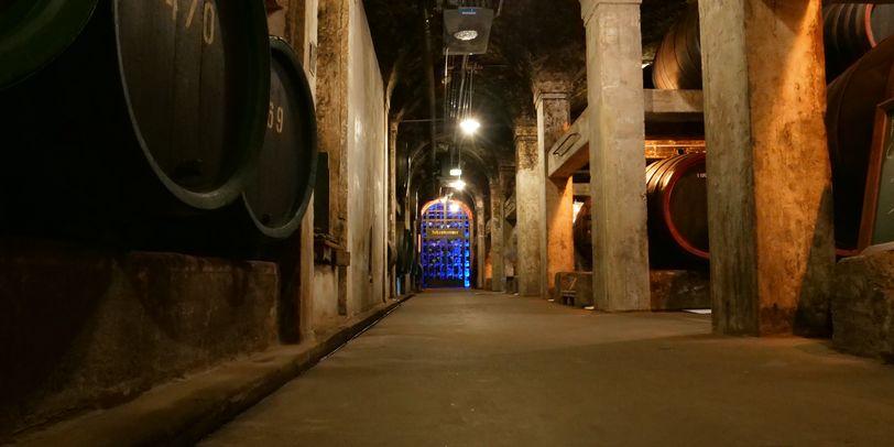 Ein Korridor im Keller vom Bremer Ratskeller. Der Korridor führt zur sogenannten Schatzkammer.