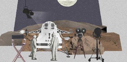 Filmstudio mit Raumfahrt-Elementen