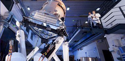 Labor mit zwei Wissenschaftlern