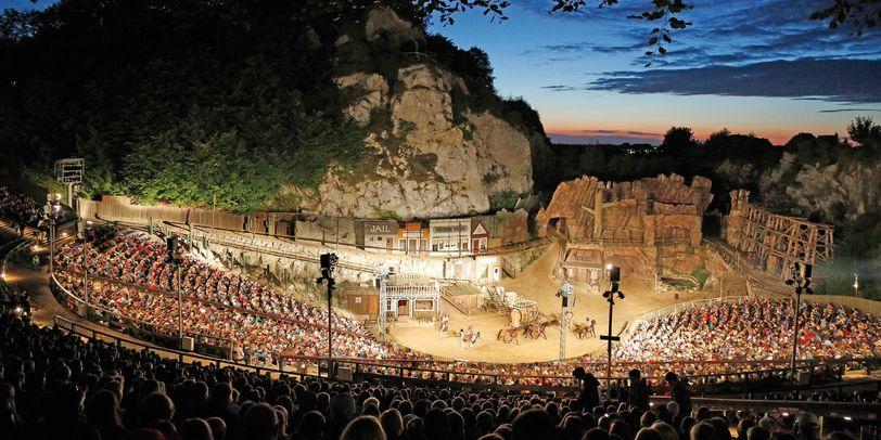 Blick über das Freiluft Theater in Bad Segeberg.