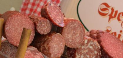 Fleisch und Wurst in der Auslage; Quelle: bremen.online GmbH - MDR