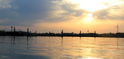 Blick auf die Weser bei Sonnenuntergang (Quelle: K. Bünn/bremen.online GmbH)