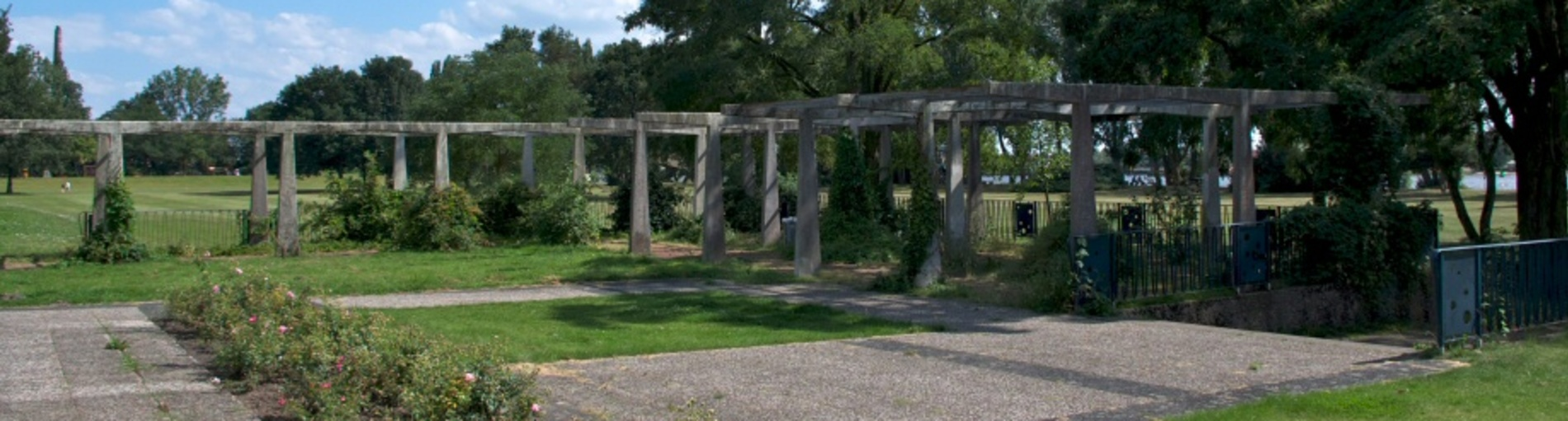 Blick auf die Gedenkstätte Bahrsplate