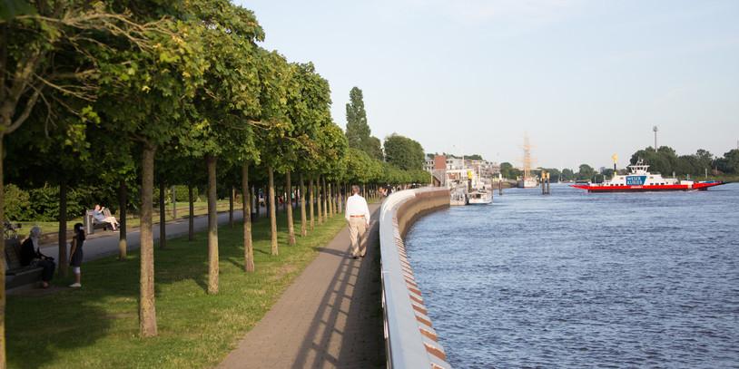 Blick über die Maritime Meile in Bremen Vegesack