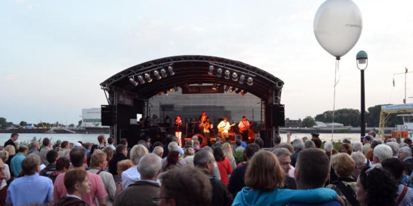 Eine Band auf der Bühne; Quelle: Vegesack Marketing e.V.