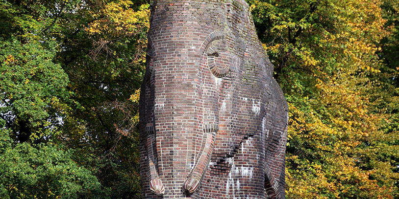 Antikolonialdenkmal in Bremen Schwachhausen, zu sehen ist ein großer Elefant