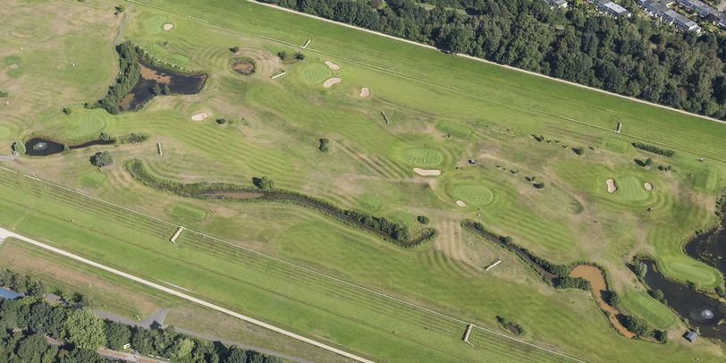 Ein Luftbild zeigt das Gelände der ehemaligen Galopprennbahn in der Vahr