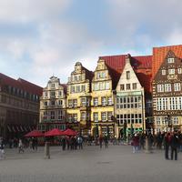 Blick auf den Bremer Marktplatz mit seinen imposanten Bauwerken
