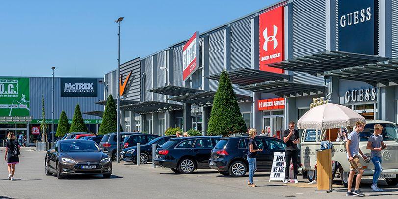 Der Ochtum Park beherbergt neben den klassischen Modemarken auch Sportmarken.