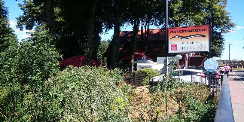 Außenaufnahme des Restaurants zur Ochtumbrücke