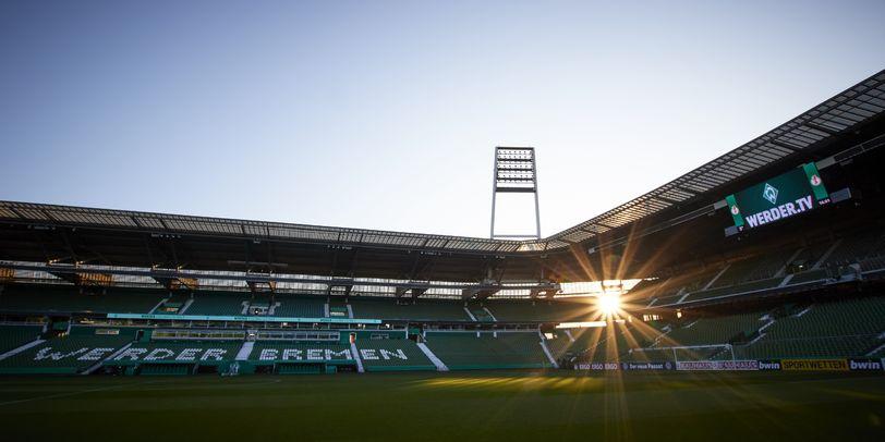 Weserstadion im Flutlicht