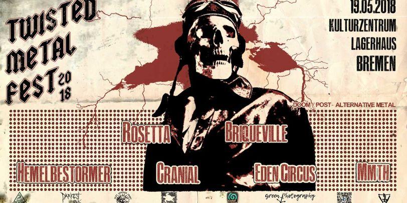 Ein Totenkopf auf dem schwarz, roten Plakat des Festivals mit Bandnamen.