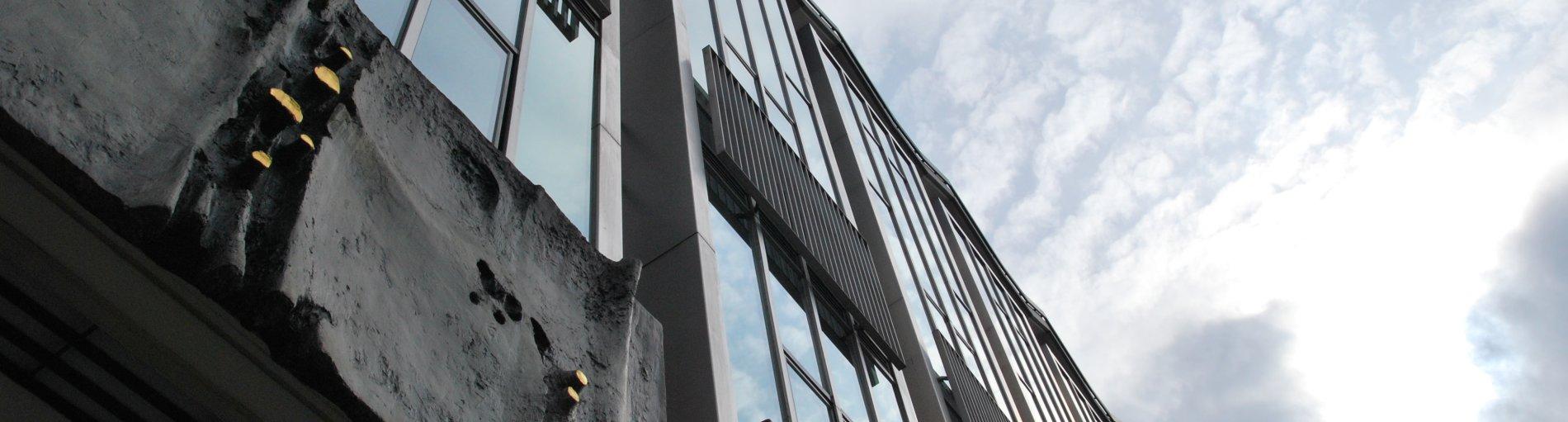 Blick von unten auf die Fassade der Bremer Bürgerschaft