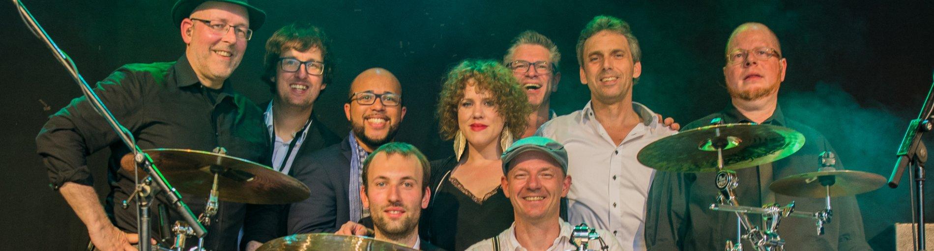Die Band Flying Soul Toasters auf der Bühne.