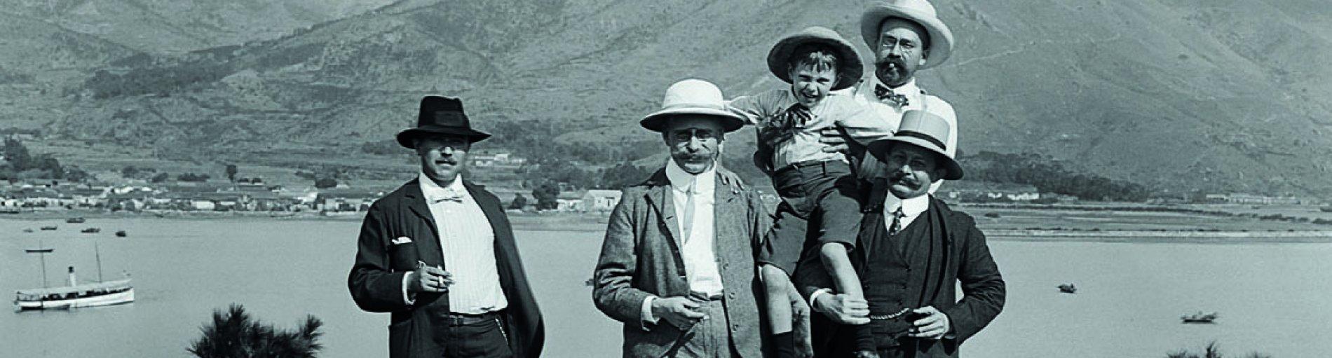 """Ein historisches Bild aus der Ausstellung """"Hongkong Connection"""" im Überseemuseum"""
