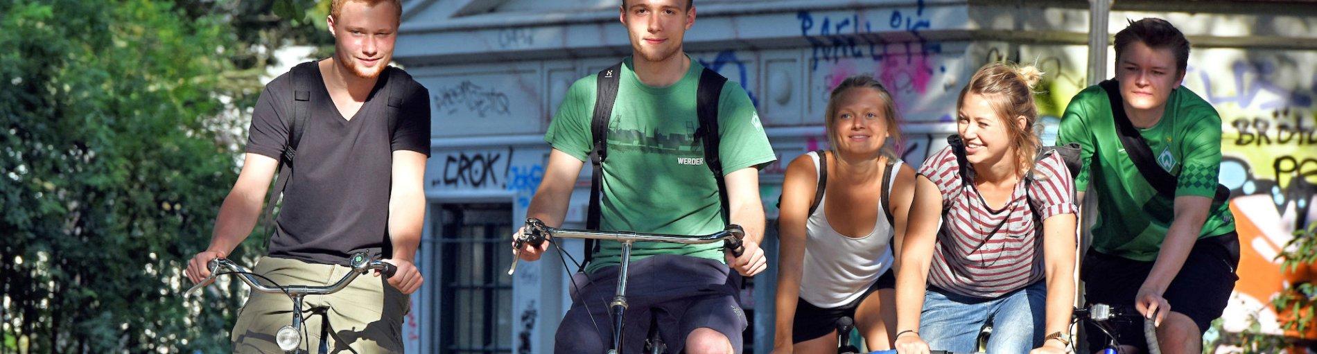 706dd438c2a86a Umweltschonend unterwegs mit dem Fahrrad und zu Fuß