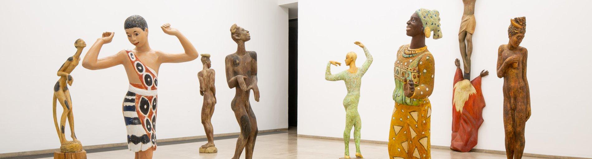 Figuren aus der Luise Kimme Ausstellung im Gerhard Marcks Haus.