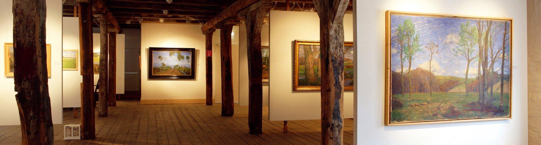 Ein Museumssaal mit Dielenboden und Holzbalken; Quelle: WFB - Pientka