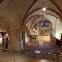 Der Domschatz ist in den Räumen des Dom-Museums zu bewundern, Eingang aus dem Kirchenraum