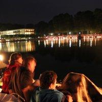 Freilichtkonzert am Hollersee bei Mondschein