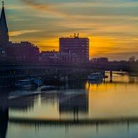 Die Weser und die Bremer Schlachte in der Morgenröte; Quelle: Jens Hagens Fotografie