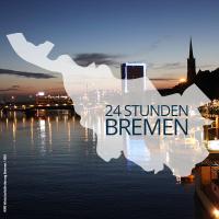 Polygon Bremens mit Aufschrift 24 Stunden in Bremen liegt über einer Aufnahme der nächtlichen Schlachte.