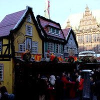 Buden auf dem Weihnachtsmarkt