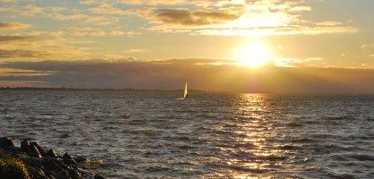 Ein Sonnenuntergang über dem Meer; Quelle; WFB/bremen.online - JUA
