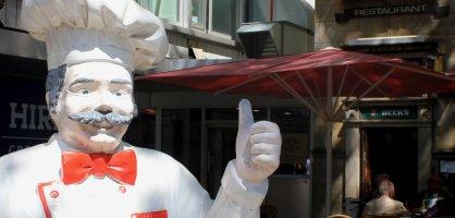 Eine Figur, die aussieht wie ein Koch. Quelle: bremen.online / KBU