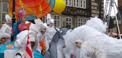 Kostümträger beim Bremer Karneval