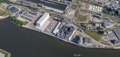 Ein Luftbild zeigt ein ehemaliges Industriewerk